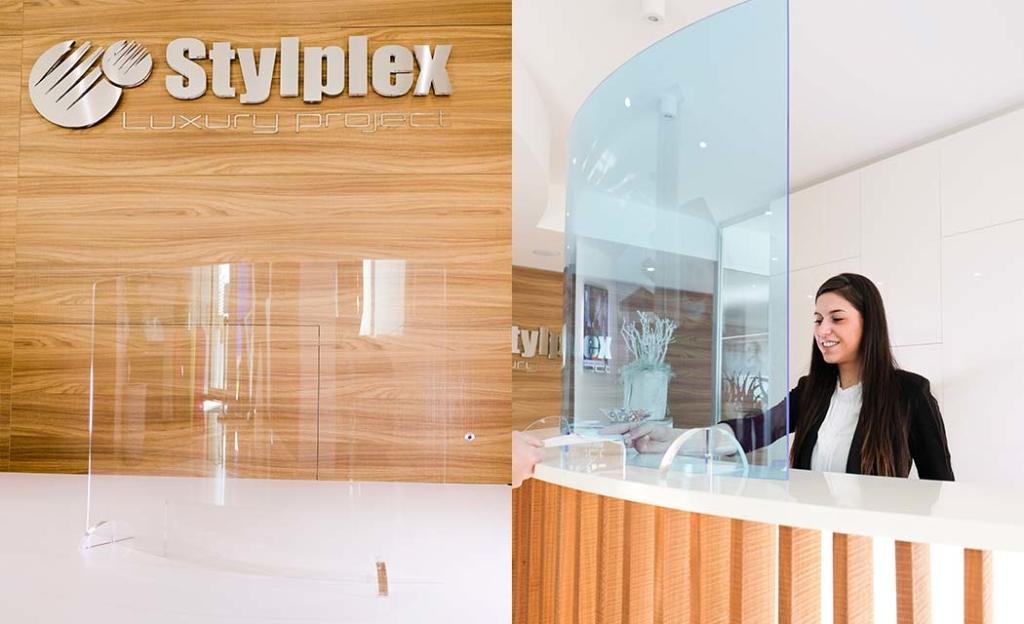 Pannello autoportante in plexiglas da bancone realizzato da Stylplex